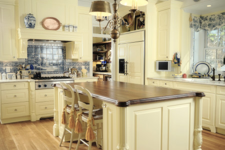 Similar to our Frankin Raised panel door (Stateman Collection) in Creamy Butter paint.